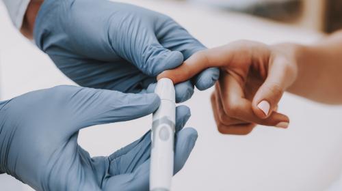Φινερενόνη για την επιβράδυνση της διαβητικής νεφροπάθειας